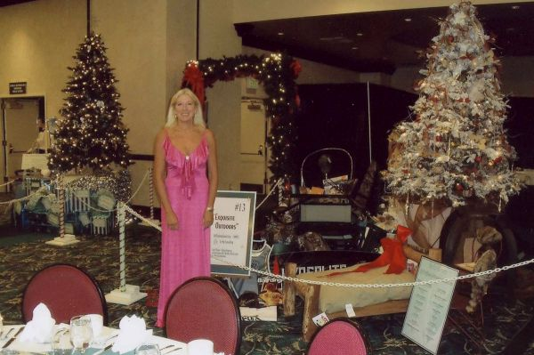 GMX International Corporation sponsors  The Mercy Medical Center Foundation  Festival of Trees for 2009